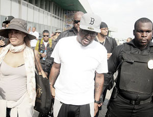 Bobby Brown Arrives in Lagos